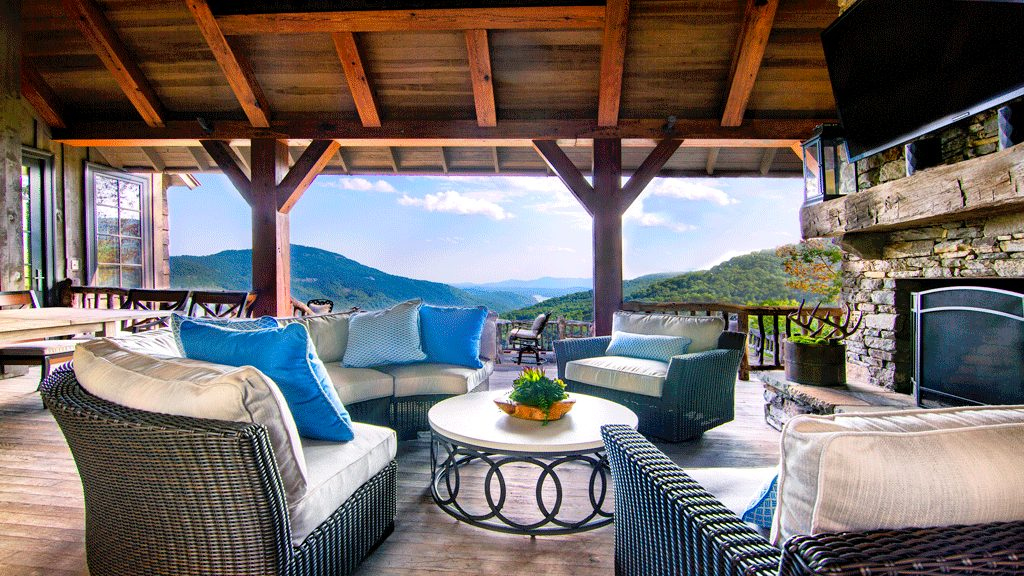 Project Spotlight: Designing a 4 Seasons Patio with Grace Thomas Designs